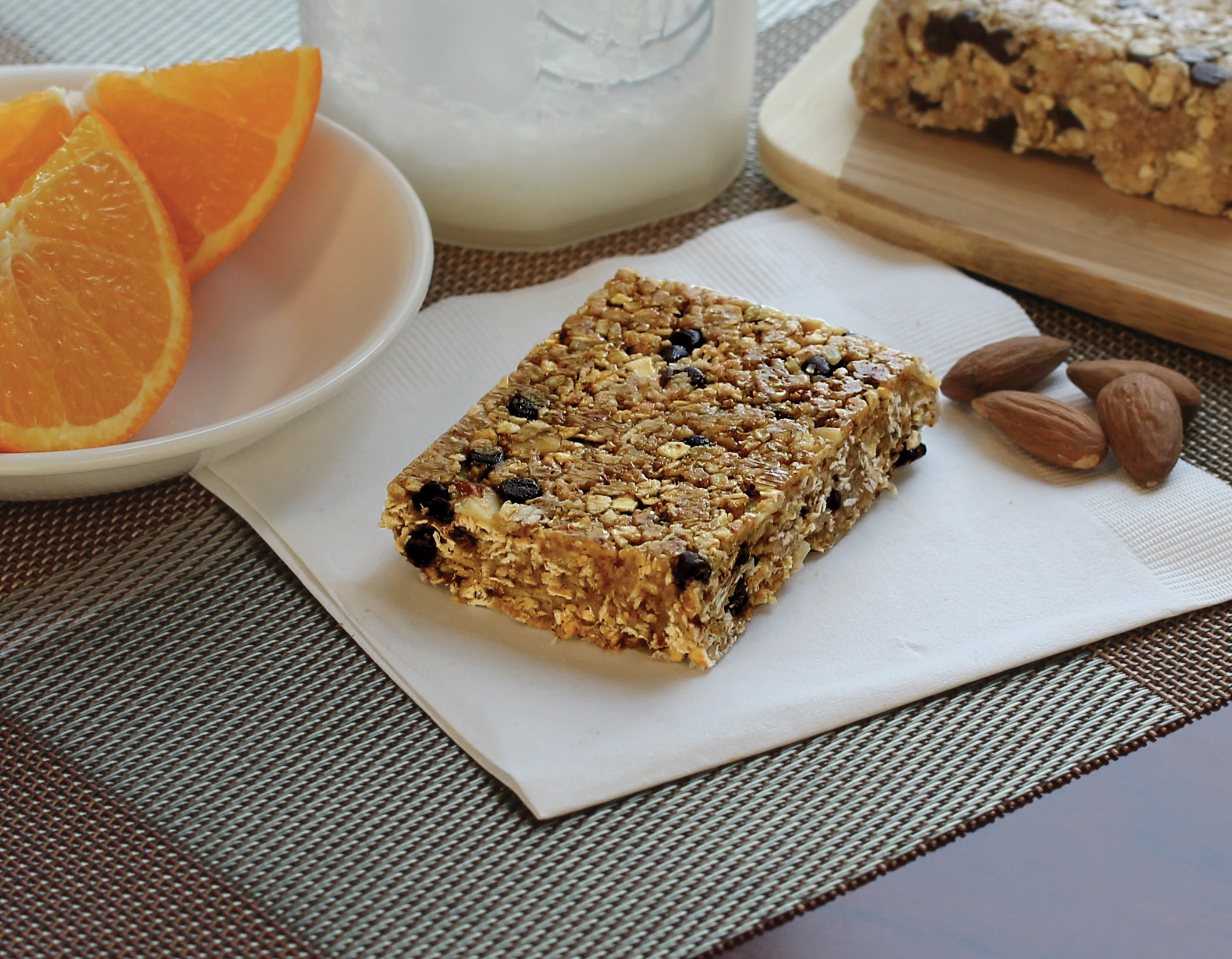 Chocolate Chip Almond Oat Bar